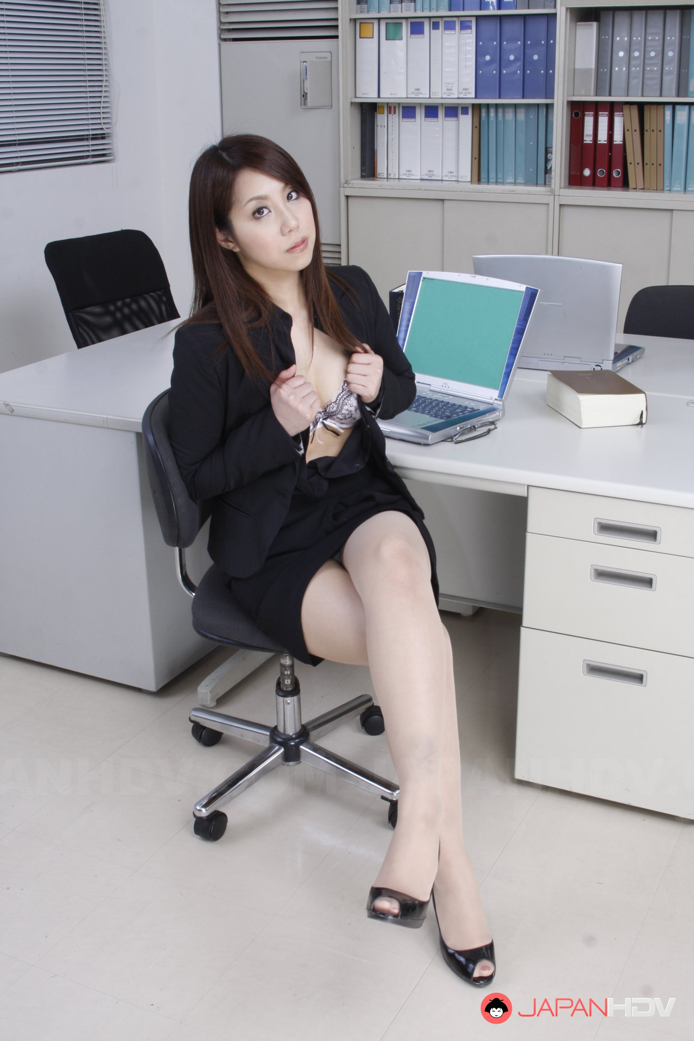 desk-chair-nude-sex-licking-boy-ass